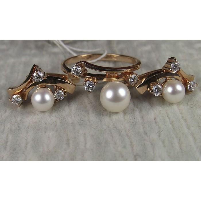 золотой комплект серьги и кольцо с бриллиантами и жемчугом