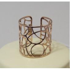Золотое кольцо на большой палец
