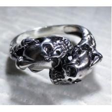 "Серебряное кольцо ""Два черепа"""